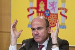 Spain's De Guindos says euro zone in talks over 3rd Greek bailout