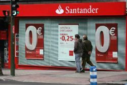 Spain's Banco Santander posts 4 pct full-year profit rise, beats forecasts