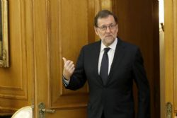 "Spain's Socialists accuse PM of offering to act as ""Trump's butler"""