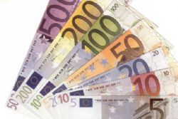 Spain sells 4.8 bln euros of debt at auction