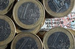 Spain banks borrow 172.9 bln euros from ECB in June