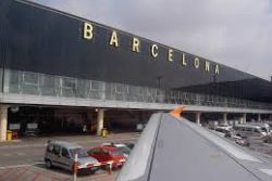 Two-hour waits at security leave Barcelona airport passengers fuming