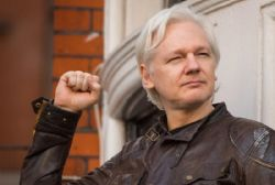 Key Catalan ideologue met with Julian Assange in London
