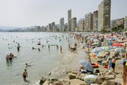 Spain closes in on 80 million foreign tourists in record-breaking 2017