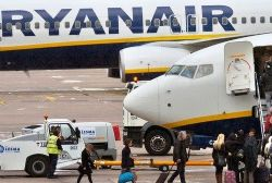 Ryanair hikes profit forecast on higher fares
