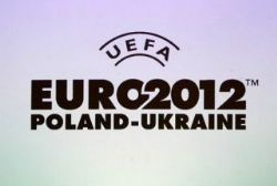 Spanish government threatens Euro 2012 final boycott