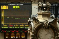 European shares fall as Greece, Spain worries grow