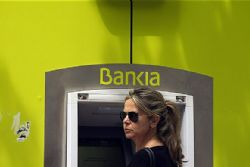 Spain to outline Bankia plan, may announce bailout size