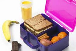 Spain's schools to charge 'packed lunch fee'