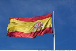 Spain sees 2012 deficit at 7.4% of GDP