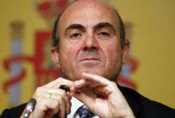Spain 'not pressured' into bailout