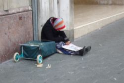 Spain homeless numbers increase 30% on 2011