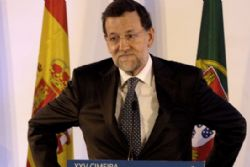 Spain starts heavy borrowing year with crisis-clause bond