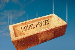 Spanish property prices continue to slide