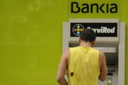 Spanish court calls top bank chairmen in Bankia probe