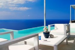 Spain to award Residency to buyers of luxury property