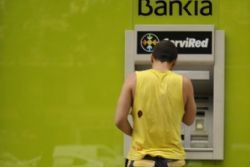 Spain's Bankia set to tumble anew despite cash injection
