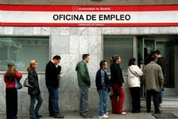Spanish jobless numbers on positive track in March