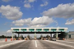Less vehicles in Spain travel toll roads