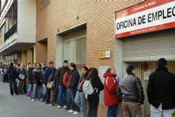 Summer hiring sees Spain's unemployment fall 29,841 in July